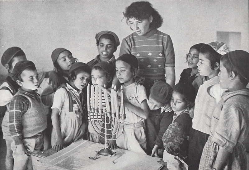 PikiWiki_Israel_47026_Hannukah_in_kindergarten_optimized