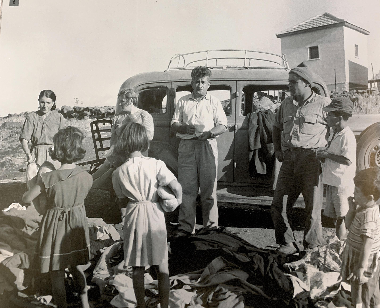 חנות בגדים ממנועת מגיה למעברה בגליל העליון ב 1956